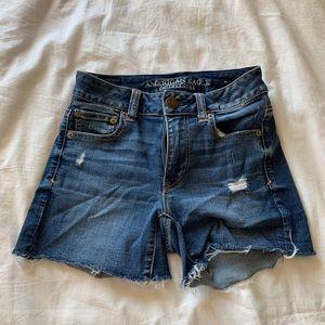 Brandy Melville Shorts - AMERICAN EAGLE MID RISE SHORTS